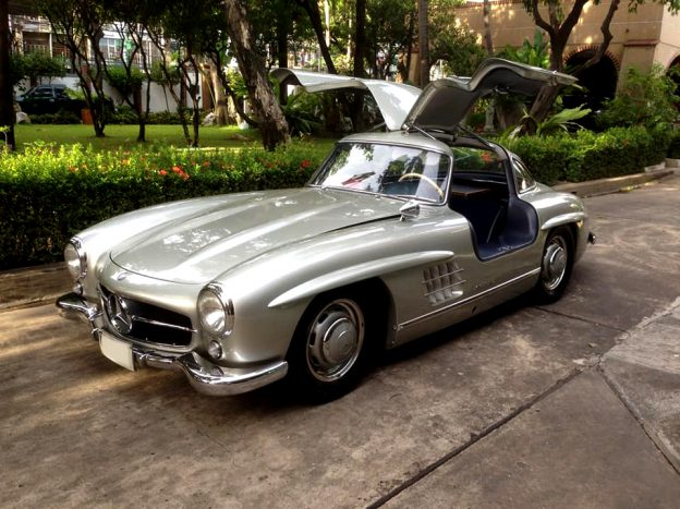 Mercedes-Benz 300 SL ‎Gull-wing doors - BEST VINTAGE CAR THAILAND